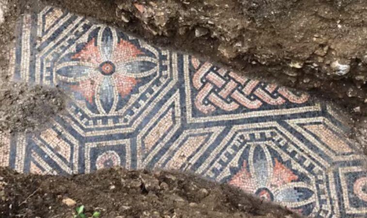 埋地千百年重見天日 意國發現古羅馬絕美地板