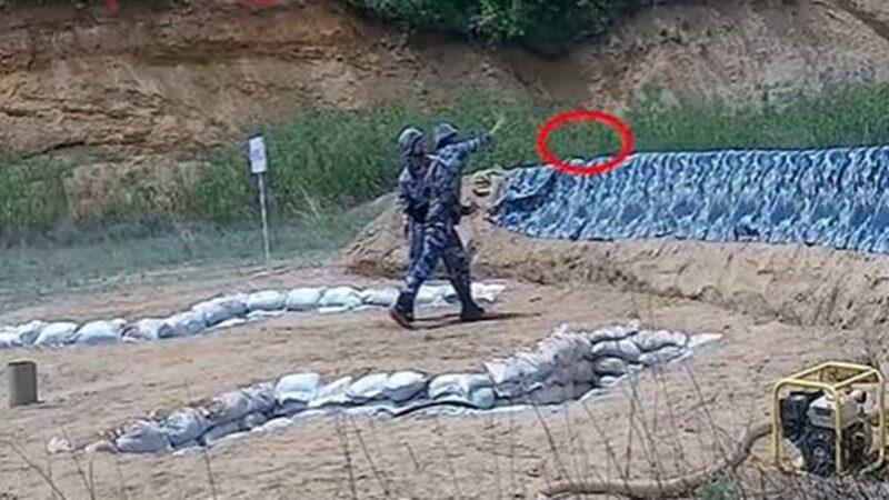 中共海軍擲手榴彈出包 砸牆反彈身邊突爆炸(視頻)