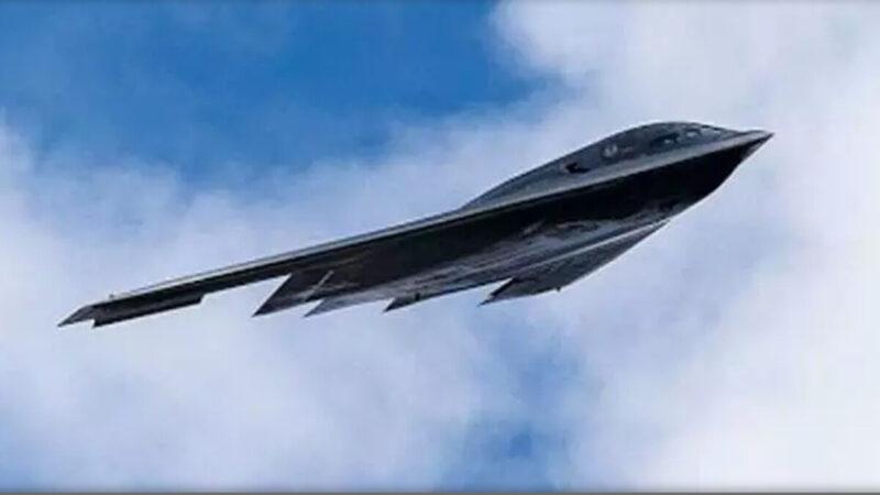 中共轰-20隐形轰炸机首飞 山寨美F-117战机