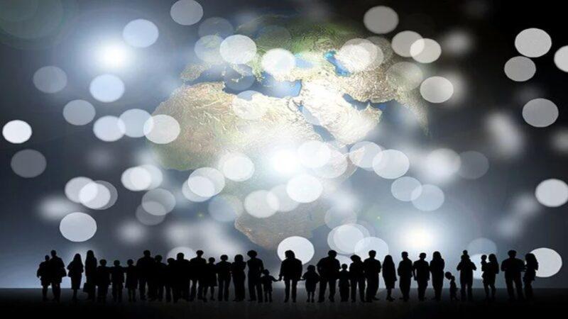 75亿人集体穿越到侏罗纪,将会发生什么结局?