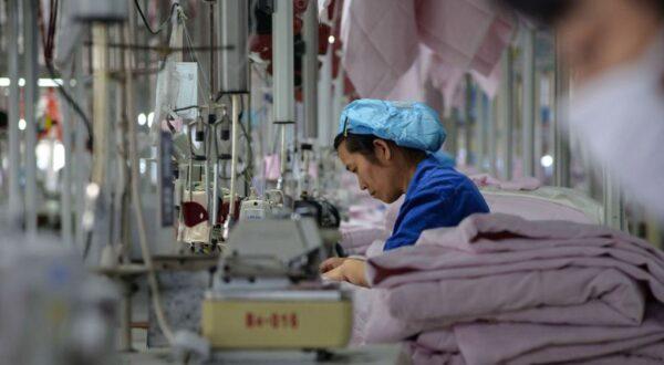 四月中国制造业PMI指数再下跌 没订单工厂面临大裁员