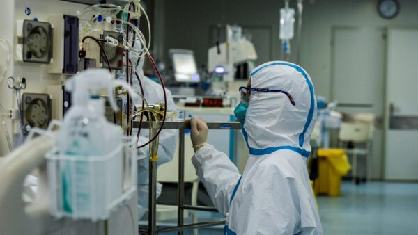 武汉疫情警报是怎样被捂死的?法媒揭内幕