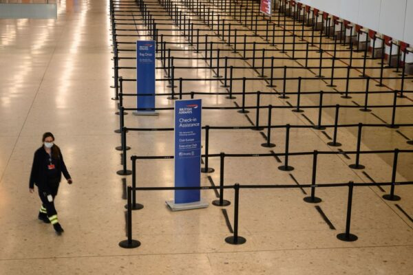 英传入境者隔离2周 航空业:谁还想要来度假