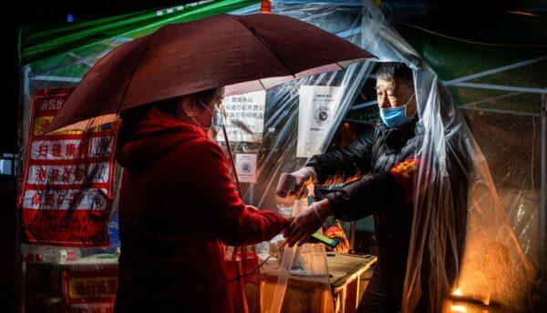 """忧变""""武汉2.0"""" 哈尔滨紧急通知所有餐厅禁堂食"""