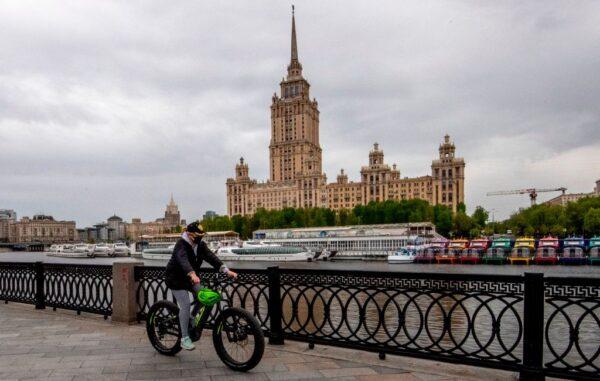 俄国连8日确诊破万 总数逾20万一半在莫斯科