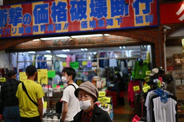 日本口罩 從一罩難求到價格砍半賣