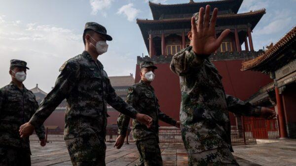 【重播】北京两会白昼变黑夜 川普再斥中共发言人