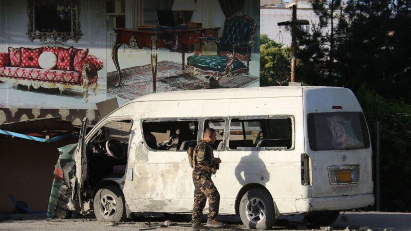 锁定记者犯案 喀布尔爆炸至少2死7伤