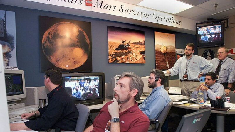 最新发现:火星上疑有流动10万年的河流