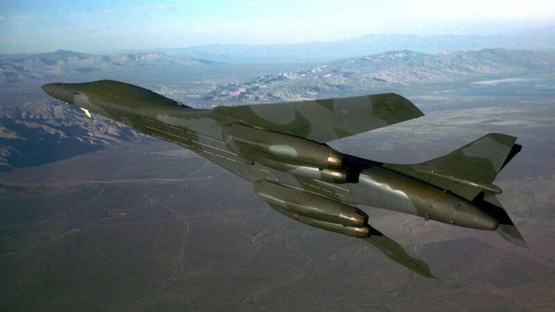 美轟炸機逼近防空識別區 防走火台禁飛行員開第一槍
