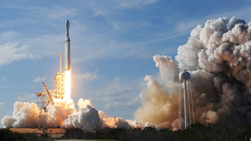 【重播】SpaceX飞龙号载人上太空 因天气原因推迟(同声翻译)