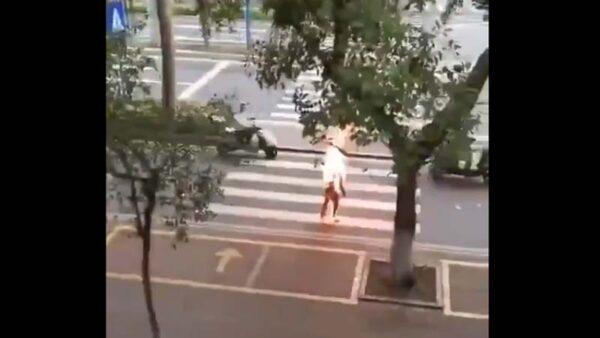 """网传广东原油宝受害者自焚视频 警方拙劣""""辟谣"""""""