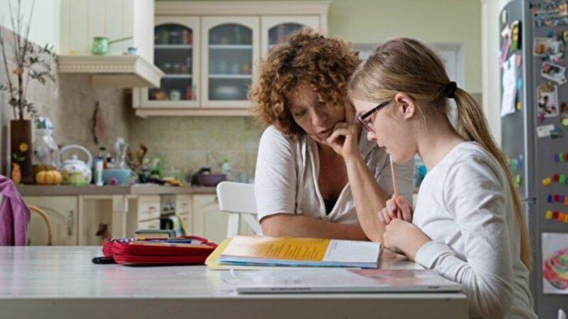 【名家專欄】疫情期間 父母能勝任在家教學嗎?