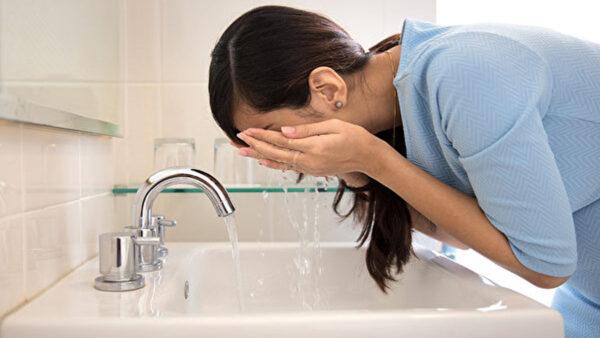 30年只用清水洗臉 女醫師皮膚年輕的秘訣