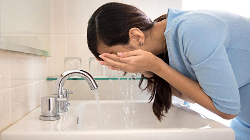 30年只用清水洗脸 女医师皮肤年轻的秘诀