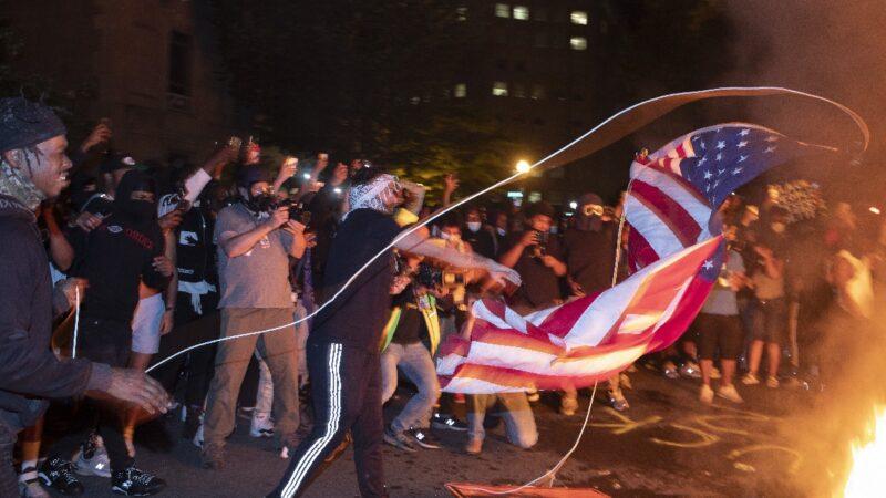 颜纯钩:美国骚乱不影响制裁中共
