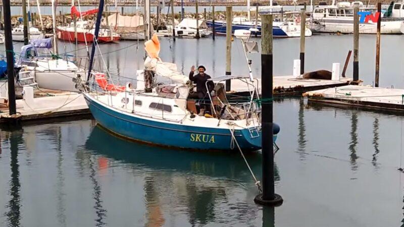 从葡萄牙驾小船 阿根廷水手85天横渡大西洋探亲