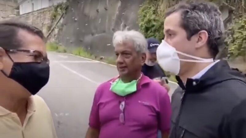駁斥躲大使館說 委內瑞拉反對派領袖現身街頭(視頻)