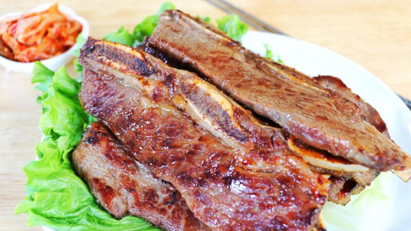 【美食天堂】煎韩式牛小排的做法~跟烧烤的一样美味!家常料理食谱 一学就会