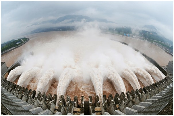 三峡大坝吸金5000亿 专家揭中共敛财内幕