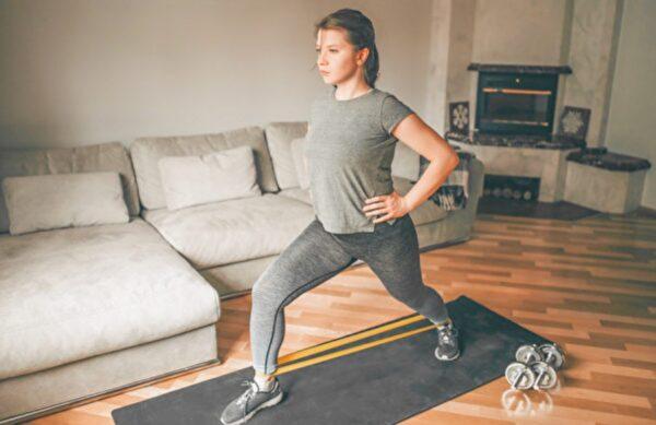 20分鐘強健免疫力 健身教練推薦5個居家運動