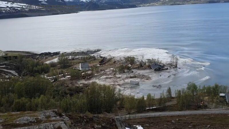 驚心動魄!挪威罕見土石流 8棟民宅滑入大海
