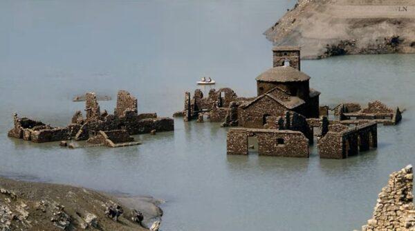 """沉没湖底74年 意国""""神秘水底古城""""将重见天日"""