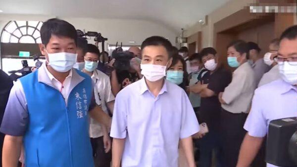 韓國瑜被罷免 高雄議長當晚自殺 遺言留下一句話
