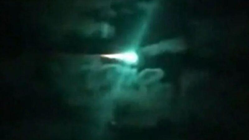 UFO伪装成流星?下降速度和方向可调整