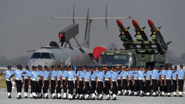 印軍方急購33架戰鬥機 莫迪:士兵不會白死