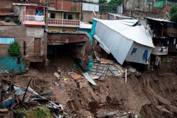 热带风暴亚曼达袭击中美洲 酿至少10死