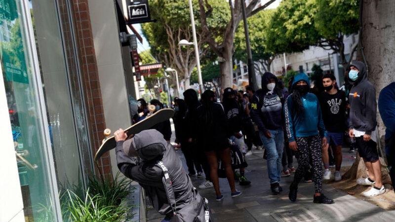 美司法部長:證據顯示「反法運動」和「外來勢力」煽動暴亂