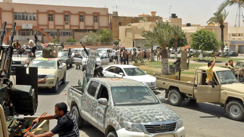哈夫塔军队节节败退吁停火 利比亚政府军回绝续挺进