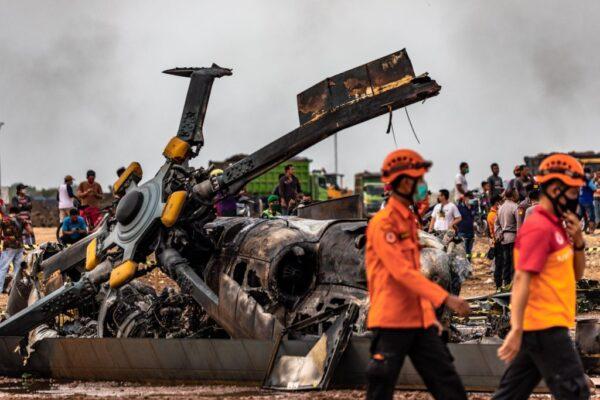 印尼军方训练机坠毁 军人4死5伤