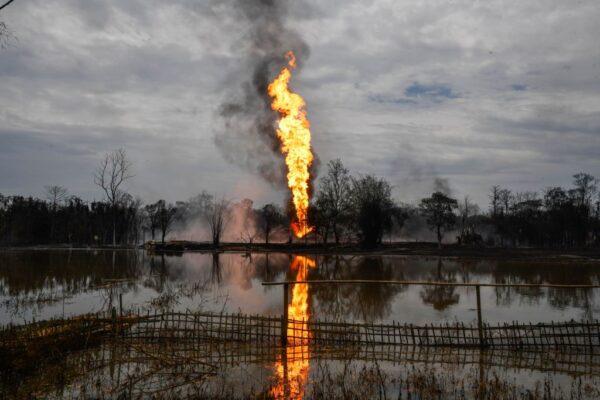 印度油井天然氣外洩2週後爆炸 釀2死2500人撤離