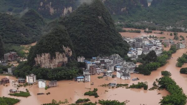 中国水灾多严重?盘点央视看不到的镜头(16视频)