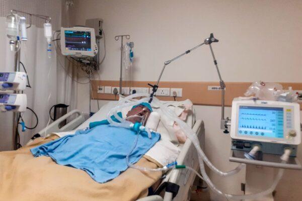 天气热拔呼吸器改开冷气 印度男子枉死 家属大闹医院