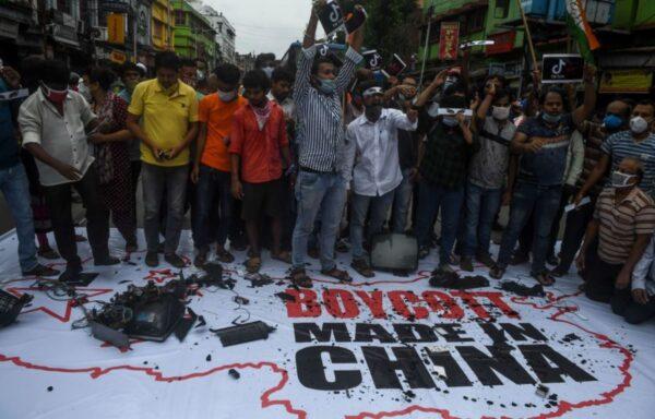 印度全国商会列抵制中国货清单 小米股价暴跌