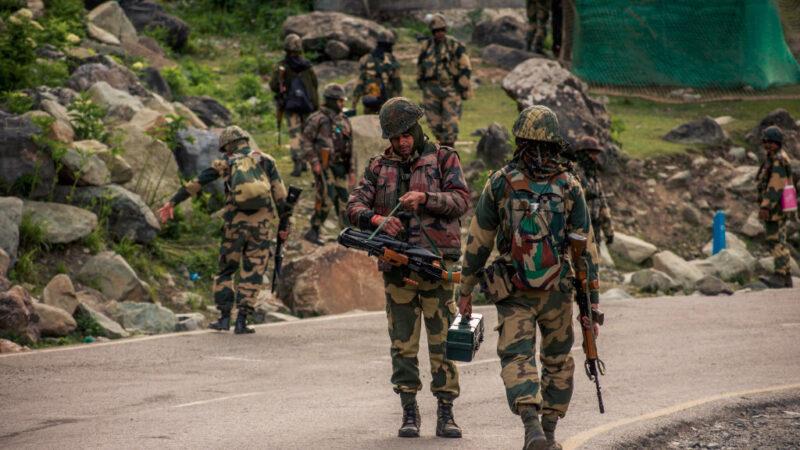 印媒:中共军队策划两天 用水攻和狼牙棒杀伤印军