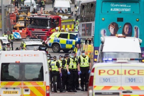 英国持刀攻击事件酿6伤 凶嫌遭警方撃毙