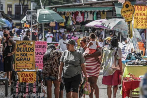 巴西新增3万8693人染疫 与英国合作产一亿剂疫苗