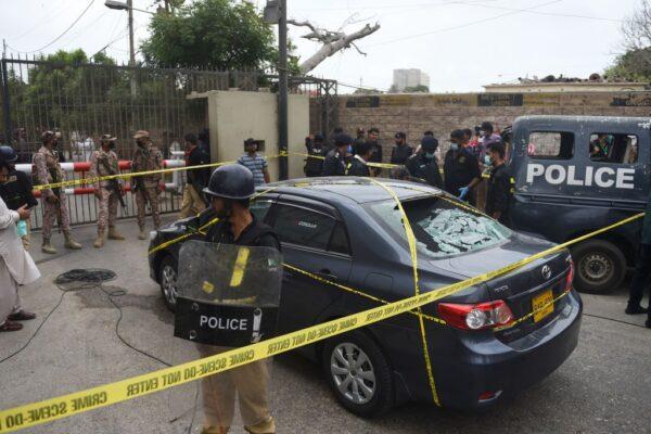 攻擊巴基斯坦證交所 4槍手遭當場撃斃