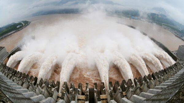 """解密:江泽民在三峡埋""""定时炸弹""""毛泽东秘书曾坚决反对"""