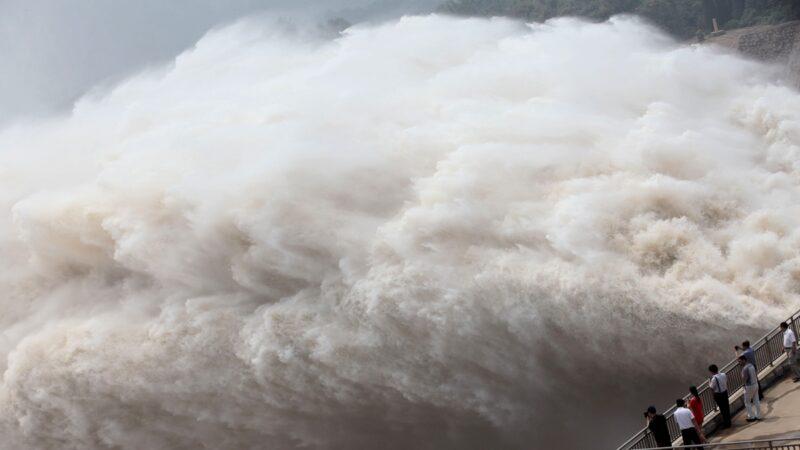 長江三峽汛情凶猛 千座水庫緊急洩洪