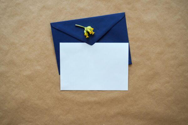 心爱狗狗离世 4岁女童写信到天堂竟收到回信