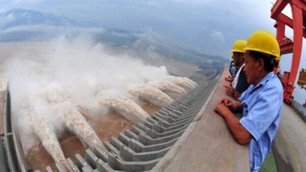 """党媒称三峡大坝""""弹性变形"""" 专家:若溃坝将致特大灾难"""