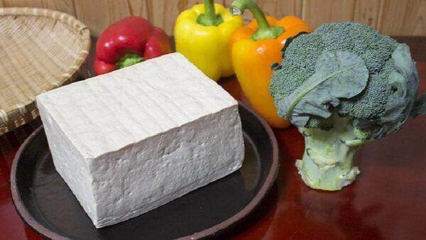 想吃豆腐不用買 只需黃豆和白醋就能做 一學就會(視頻)