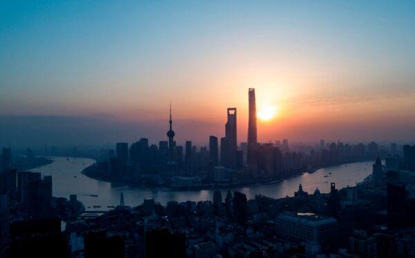 千万豪宅秒光 百万茶水费再现 上海楼市真那么火?