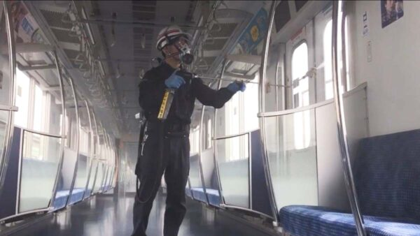 东京都连3天破200例 地下铁镀抗菌涂层防疫