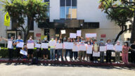 洛民运人士中领馆前抗议  反对港版国安法